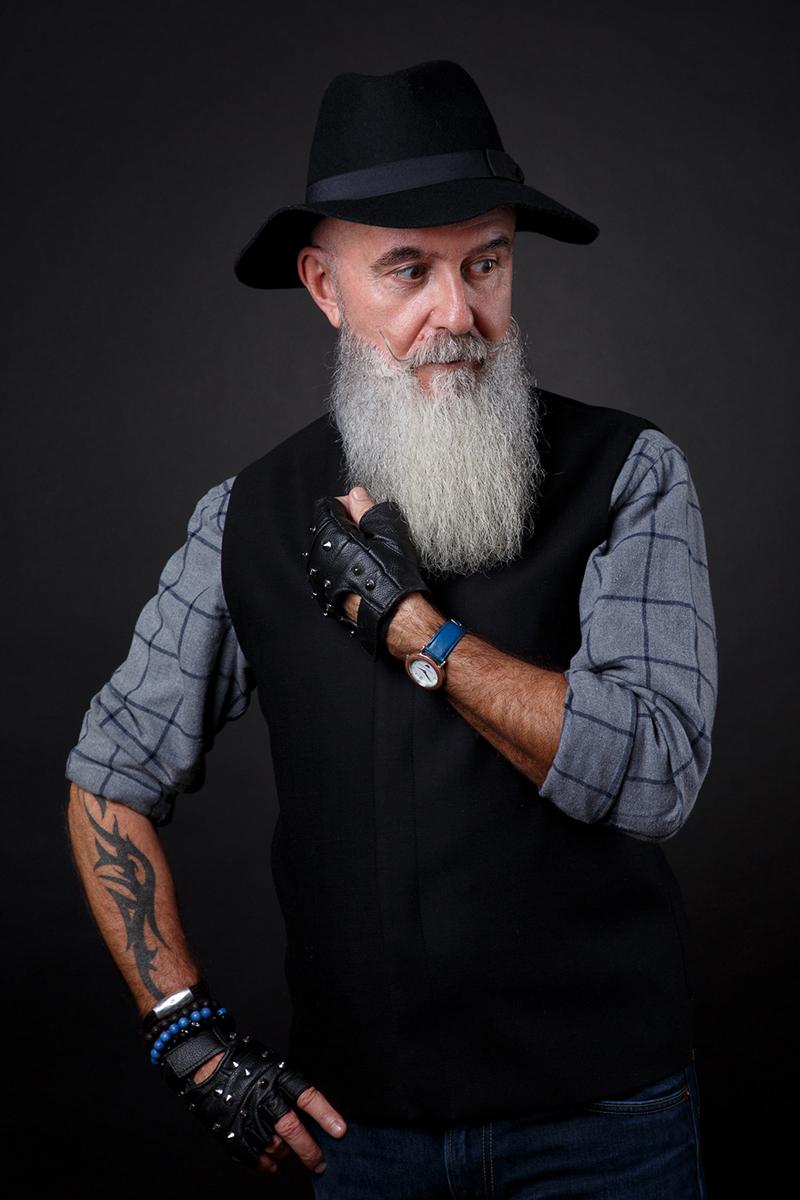 Jean-Pierre, barbe et tatouages