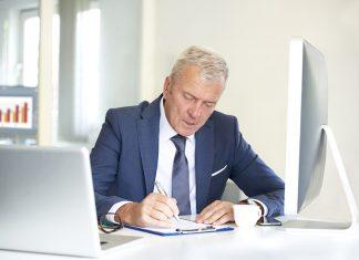 Les avantages d'embaucher un senior