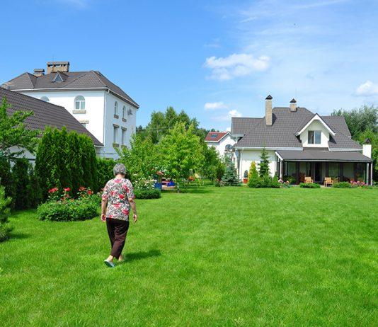 Maison et retraite seneoo for Aide personnes agees maison retraite