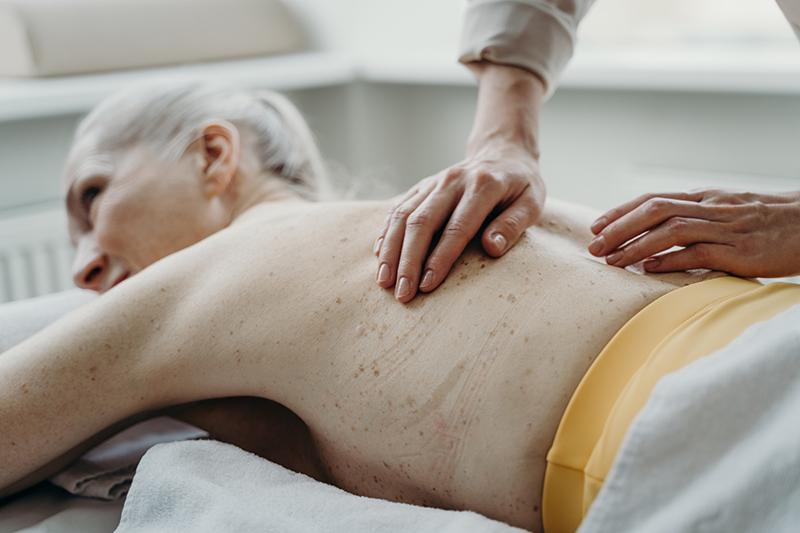 Les huiles qui soulagent en massage